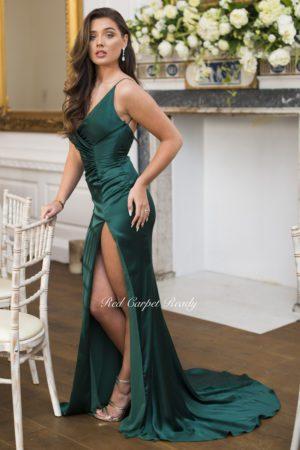 Green bodycon dress with a mermaid train, leg split and v-neck.